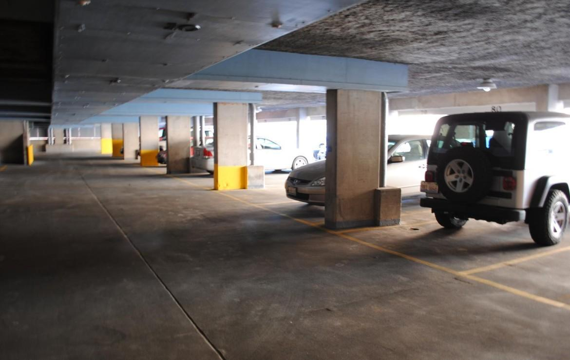 1500 Chicago Ave covered parking