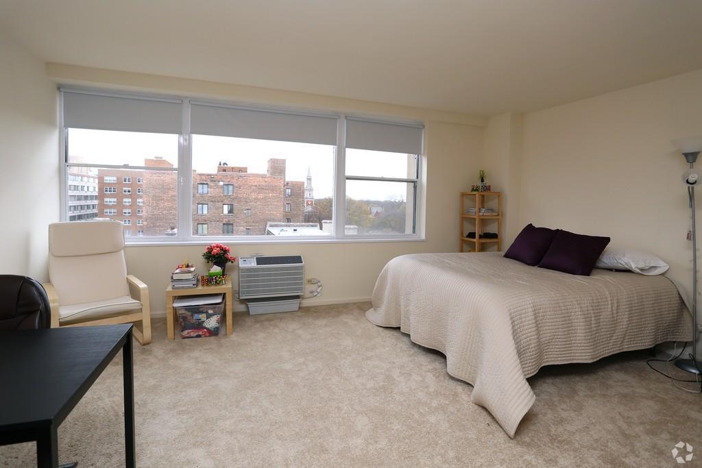 1500 Chicago studio living area 2