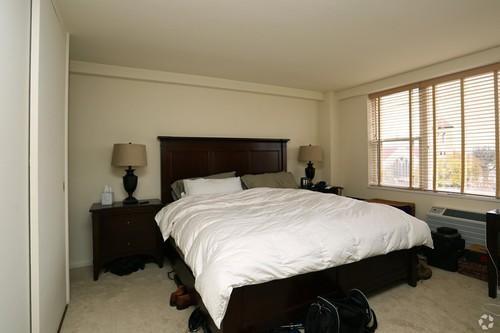 1500 Chicago 2BR bedroom 2