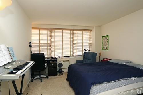 1500 Chicago 2BR bedroom