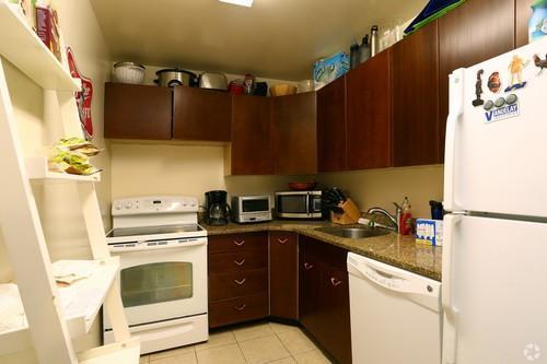 1500 Chicago 1BR kitchen