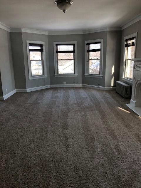 620 Barton 2N Living Room